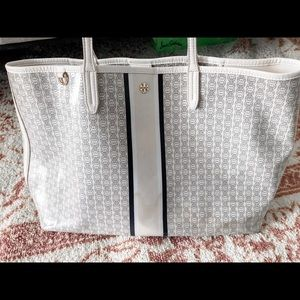 Tory Burch Gemini Link Large Tote Ivory